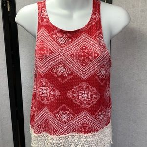 T19- 116 NWOT  Rue 21 RedGraphic Tank Top